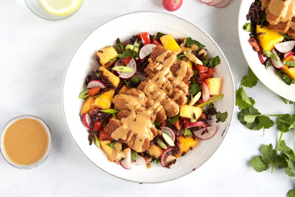 Tempeh & mango rice salad with peanut dressing