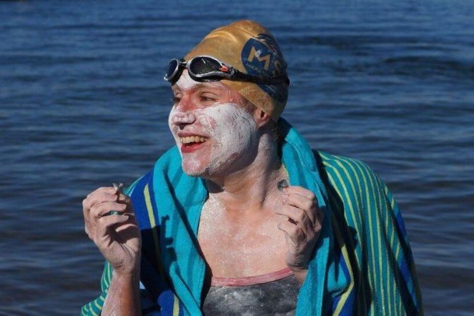 sarahthomas-swimmer-englishchannel-cancer-mental-mindset-energy-bodyshotpeformance
